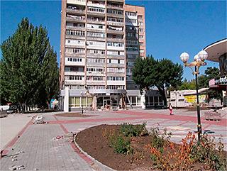 2-комнатная квартира посуточно в Бердянске. Горбенко , 3. Фото 1