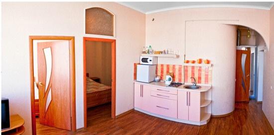 3-комнатная квартира посуточно в Симферополе. Центральный район, ул. Карла Маркса, 8. Фото 1