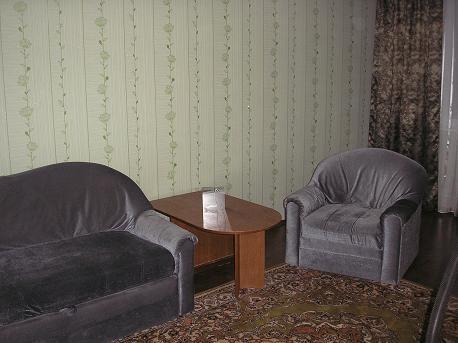 2-комнатная квартира посуточно в Чернигове. Деснянский район, ул. Красногвардейская, 25б. Фото 1