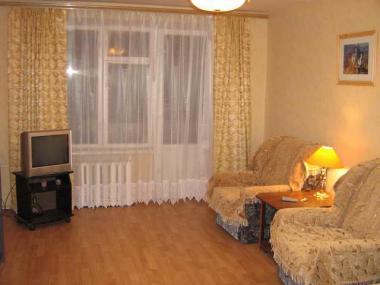 1-комнатная квартира посуточно в Северодонецке. ул. Гагарина, 6а. Фото 1