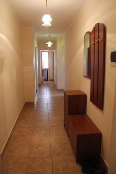 2-комнатная квартира посуточно в Сумах. Ковпаковский район, ул. Металлургов, 30. Фото 1