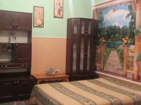 1-комнатная квартира посуточно в Львове. Лычаковский район, ул. Тарнавского, 54. Фото 1