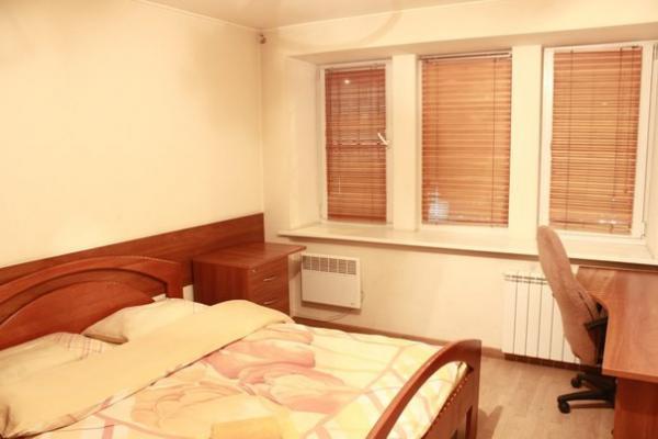 3-комнатная квартира посуточно в Киеве. Печерский район, ул. Бассейная, 11. Фото 1