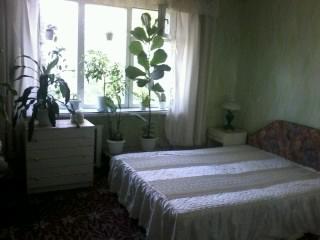 2-комнатная квартира посуточно в Шостке. депутатская, 15. Фото 1