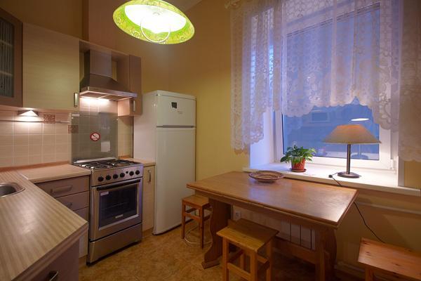 1-комнатная квартира посуточно в Измаиле. ул. Комсомольская, 34. Фото 1