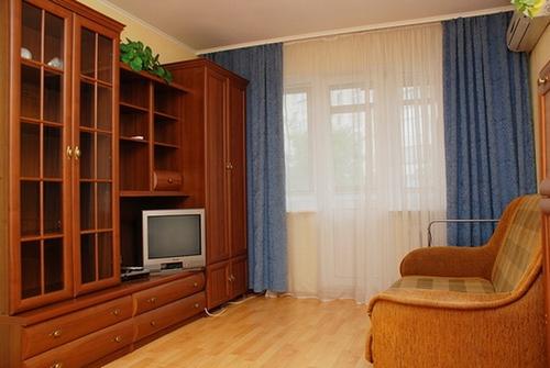 1-комнатная квартира посуточно в Киеве. Соломенский район, ул. Урицкого, 5. Фото 1
