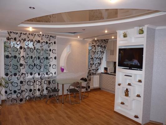 2-комнатная квартира посуточно в Черкассах. Розы Люксембург, 13. Фото 1