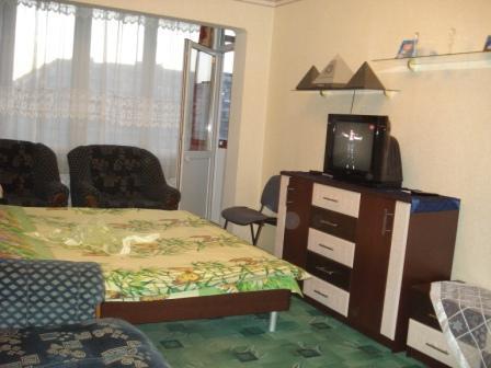 1-комнатная квартира посуточно в Киеве. Оболонский район, ул. Тимошенко, 2-г. Фото 1