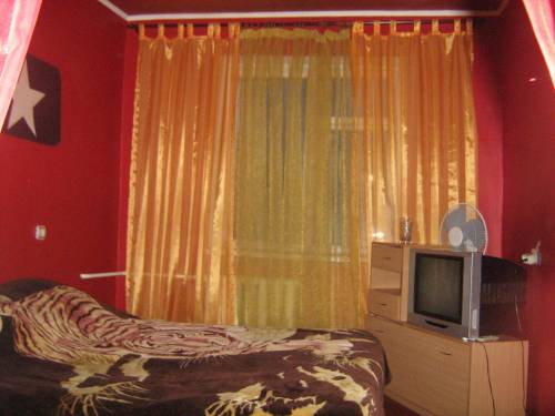 2-комнатная квартира посуточно в Макеевке. микр-н Зеленый, 14. Фото 1