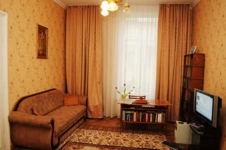 3-комнатная квартира посуточно в Львове. Галицкий район, пр-т Шевченко, 14. Фото 1