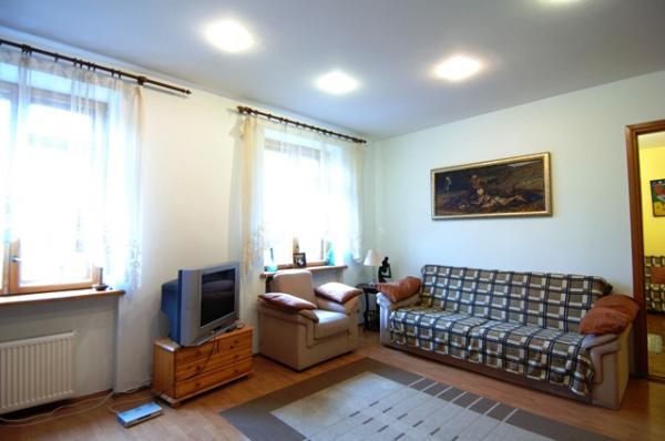 3-комнатная квартира посуточно в Киеве. Шевченковский район, ул. Ивана Франко, 7. Фото 1
