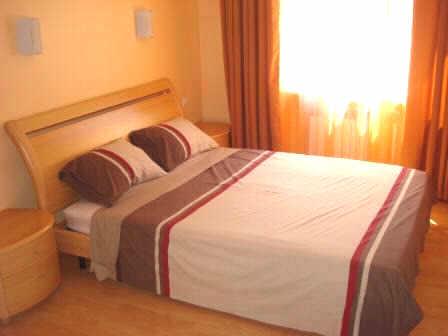 2-комнатная квартира посуточно в Севастополе. Ленинский район, ул. Советская, 3. Фото 1