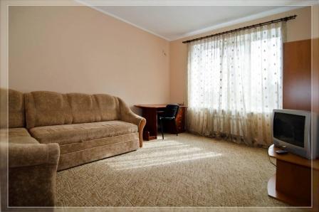 2-комнатная квартира посуточно в Харькове. Киевский район, ул. Пушкинская, 72. Фото 1