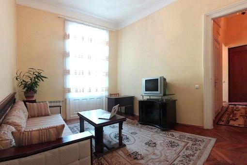 2-комнатная квартира посуточно в Львове. Галицкий район, ул. Герцена, 4. Фото 1