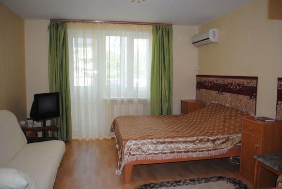 1-комнатная квартира посуточно в Феодосии. ул. Куйбышева, 57а. Фото 1