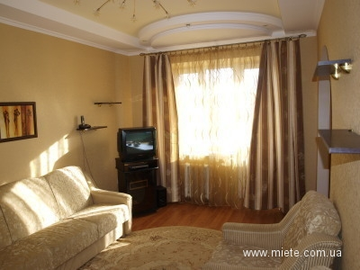 2-комнатная квартира посуточно в Львове. Железнодорожный район, Вул. Ш. Руставелли, 25. Фото 1