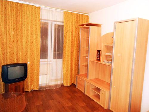 1-комнатная квартира посуточно в Киеве. Днепровский район, ул. Радужная, 43. Фото 1