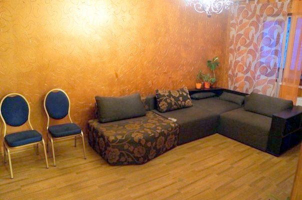 2-комнатная квартира посуточно в Киеве. Дарницкий район, ул. Вербицкого, 11. Фото 1