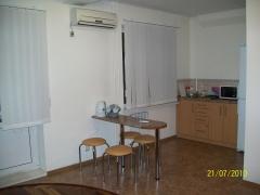 1-комнатная квартира посуточно в Запорожье. Жовтневый район, ул. Гер.Сталинграда, 44а. Фото 1