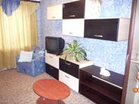 2-комнатная квартира посуточно в Черкассах. ул. Петровского, 156. Фото 1