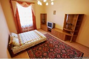 2-комнатная квартира посуточно в Львове. Франковский район, ул. С. Бандеры, 83. Фото 1
