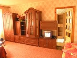 2-комнатная квартира посуточно в Запорожье. Жовтневый район, ул. Гоголя, 46. Фото 1
