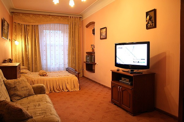 1-комнатная квартира посуточно в Львове. Галицкий район, ул. Галицкая, 7. Фото 1