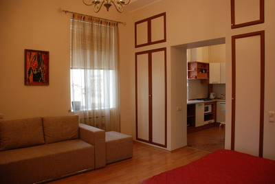 1-комнатная квартира посуточно в Киеве. Печерский район, ул. Марии Заньковецкой, 6. Фото 1