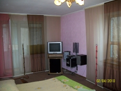 1-комнатная квартира посуточно в Запорожье. Орджоникидзевский район, пр-т Маяковского, 18. Фото 1