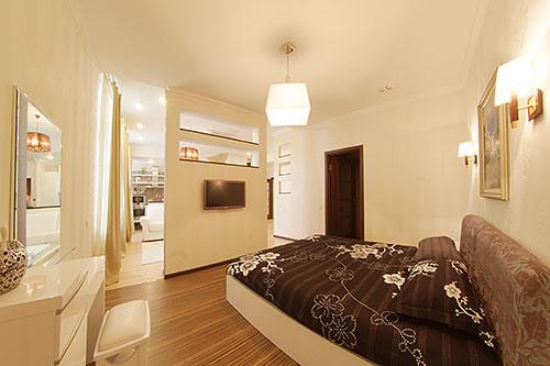 2-комнатная квартира посуточно в Алуште. ул. Ленина, 10. Фото 1