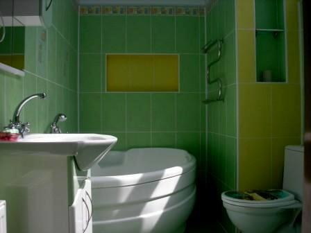 2-комнатная квартира посуточно в Евпатории. ул. Пушкина, 4. Фото 1