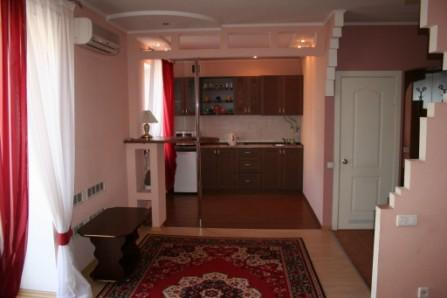 1-комнатная квартира посуточно в Кривом Роге. Саксаганский район, пр-т Гагарина, 30. Фото 1