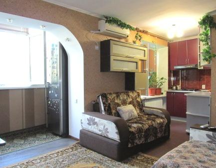 1-комнатная квартира посуточно в Бердянске. ул. Мазина, 45. Фото 1
