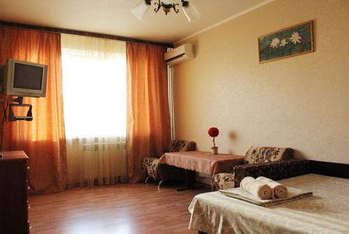 1-комнатная квартира посуточно в Киеве. Оболонский район, пр-т Оболонский, 18. Фото 1