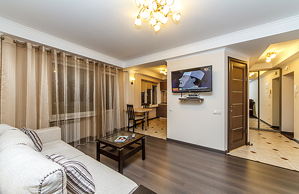 2-комнатная квартира посуточно в Киеве. Печерский район, бул. Леси Украинки, 14. Фото 1