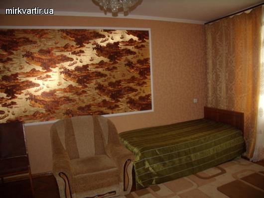 1-комнатная квартира посуточно в Миргороде. ул. Кашинского, 11. Фото 1