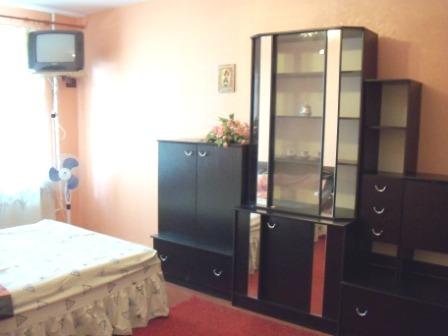 1-комнатная квартира посуточно в Полтаве. Ленинский район, пр-т Мира, 20. Фото 1