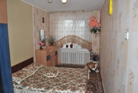 2-комнатная квартира посуточно в Херсоне. Комсомольский район, ул. Рабочая, 201. Фото 1