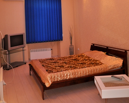 2-комнатная квартира посуточно в Одессе. Приморский район, ул. Чайковского, 8. Фото 1