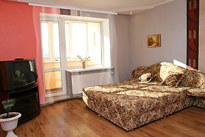 1-комнатная квартира посуточно в Ровно. ул. Шевченко, 65. Фото 1