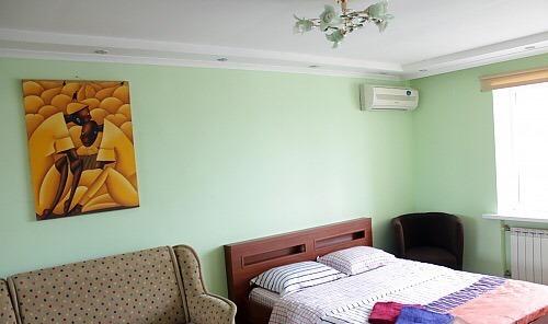 1-комнатная квартира посуточно в Киеве. Печерский район, ул. Саксаганского, 7. Фото 1