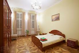 2-комнатная квартира посуточно в Днепропетровске. Кировский район, пр.кирова, 12. Фото 1