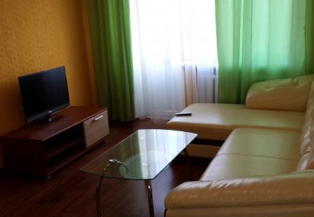 1-комнатная квартира посуточно в Умани. ул. Тищика, 31. Фото 1