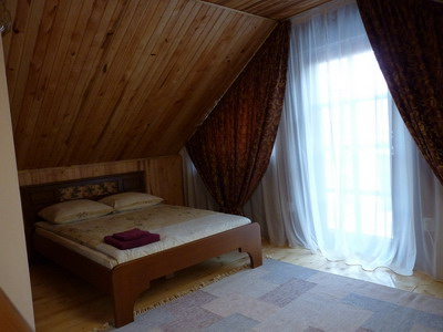 2-комнатная квартира посуточно в Ужгороде. ул. Фединца, 6. Фото 1