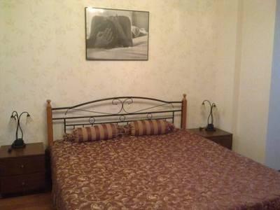 2-комнатная квартира посуточно в Киеве. Соломенский район, ул. Амосова, 2. Фото 1