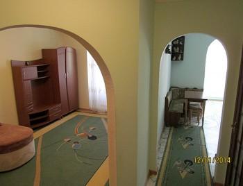 1-комнатная квартира посуточно в Ивано-Франковске. ул. Сечевых Стрельцов, 76в. Фото 1