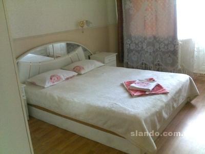 1-комнатная квартира посуточно в Киеве. Деснянский район, Сабурова, 5. Фото 1
