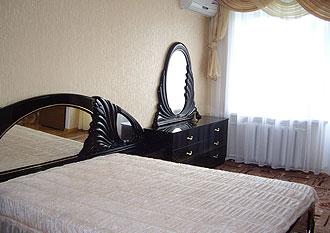 1-комнатная квартира посуточно в Николаеве. Центральный район, ул. Адмиральская, 19. Фото 1