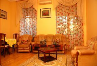 2-комнатная квартира посуточно в Киеве. Шевченковский район, ул. Пушкинская, 11. Фото 1