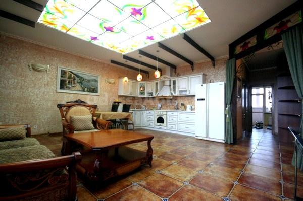 3-комнатная квартира посуточно в Одессе. Приморский район, ул. Базарная, 5. Фото 1